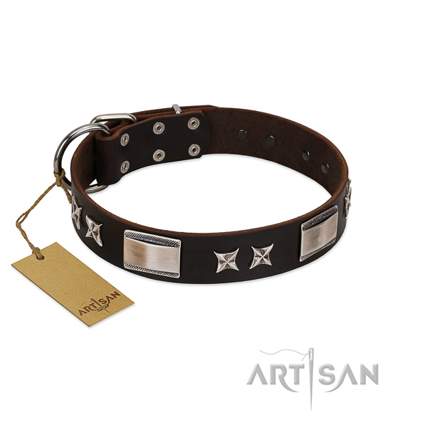 Easy to adjust dog collar of full grain genuine leather