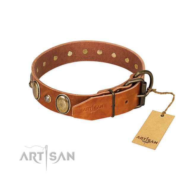 Easy wearing genuine leather dog collar