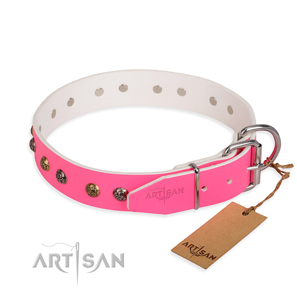 Genuine leather dog collar with exquisite rust-proof embellishments