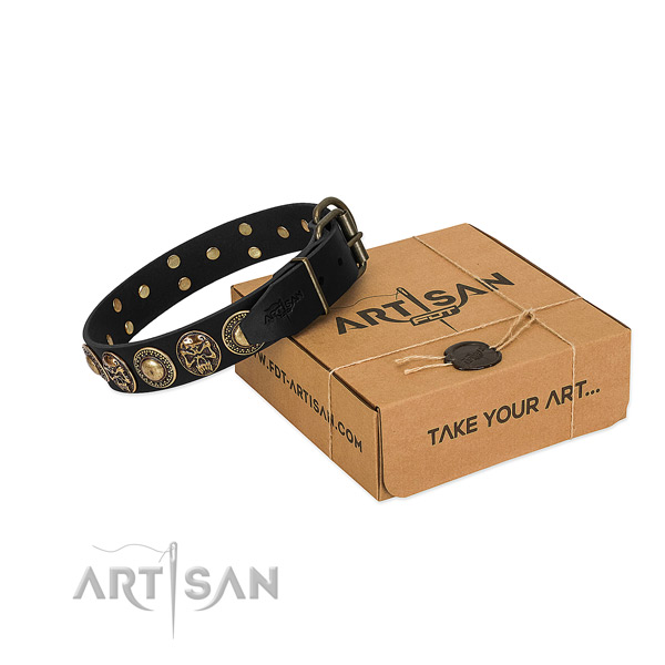 Rust-proof decorations on dog collar for easy wearing